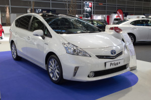 prius at detroit car show