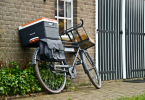 fietsklik bike cargo against brick wall